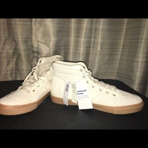 NWT Old Navy Hi top Canvas Sneakers